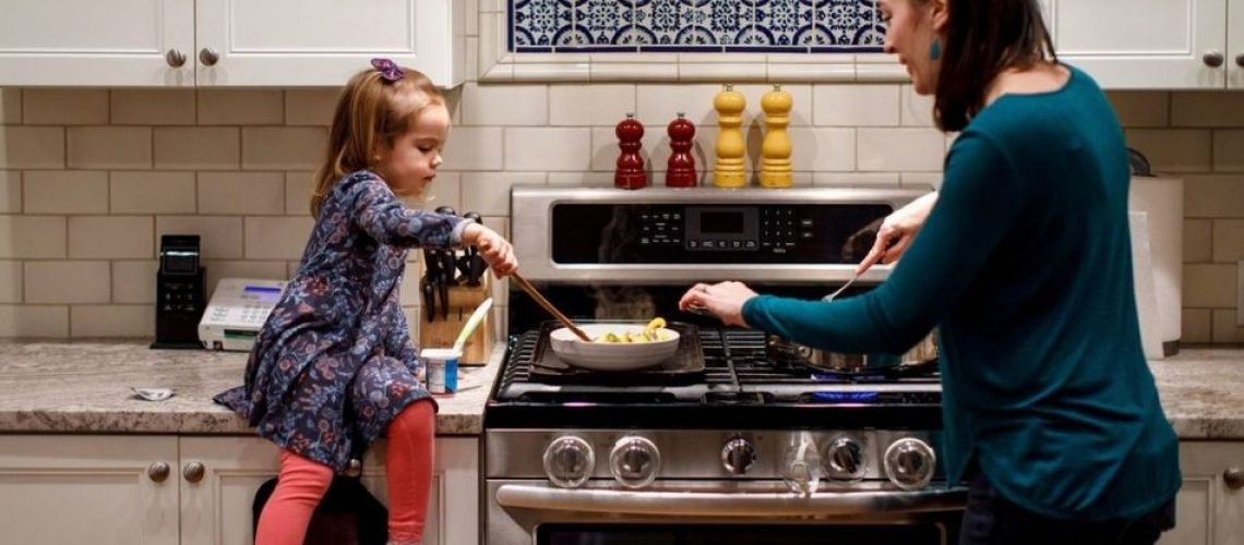 How To Manage Household Chores With A Baby